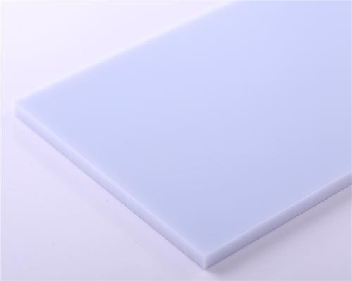 پلی کربنات سفید